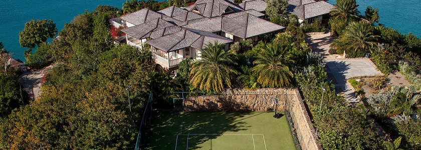 Moves Like Murray: Villas with Tennis Court