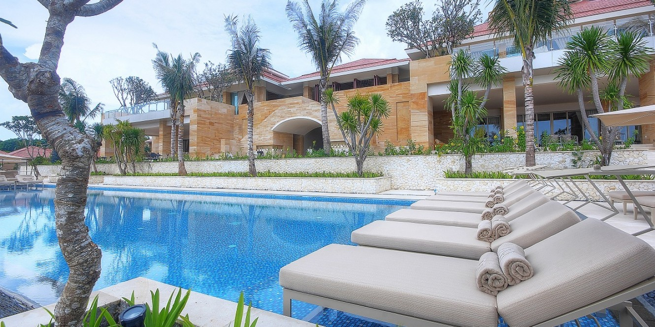 Mulia Villas   Aqua Pool