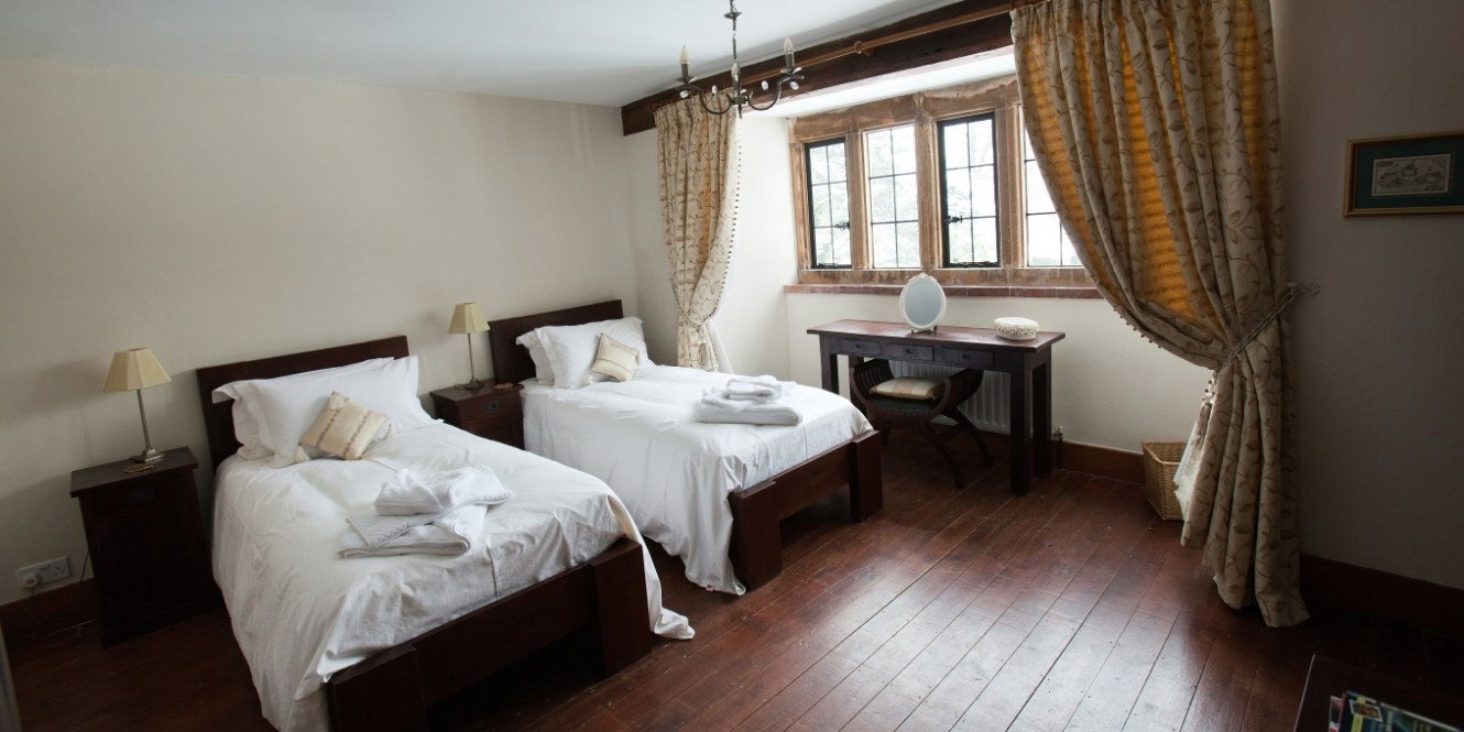 The Manor bedroom 4