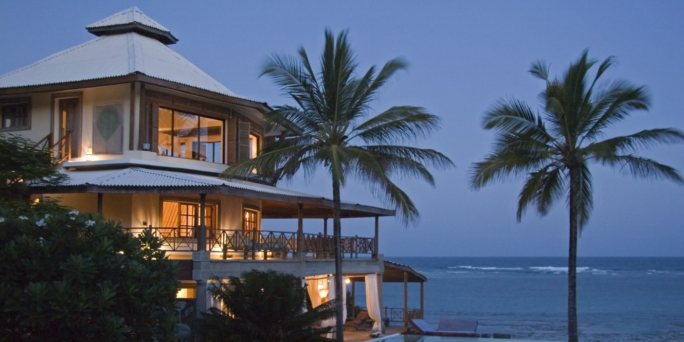 Alfajiri Cliff House Evening