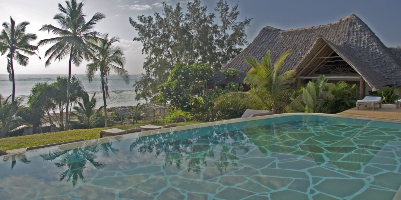 Alfajiri Beach House pool and ocean view