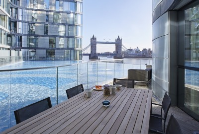 Cheval Three Quays Residence Deluxe Apartments, London